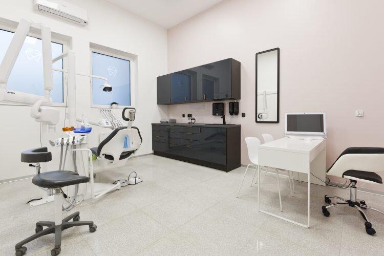 Widok ogólny gabinetu stomatologicznego Platinum (3)